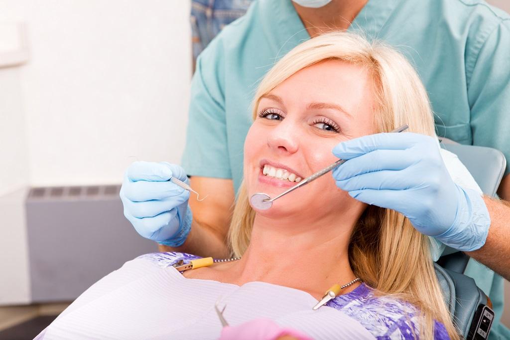 Wszystko, czego chcielibyście się dowiedzieć o laserowym wybielaniu zębów