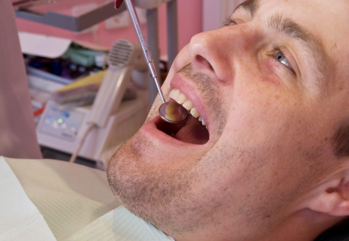 Jak zastąpić utracony ząb?